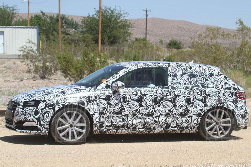 Audi S3 warmt op in Death Valley