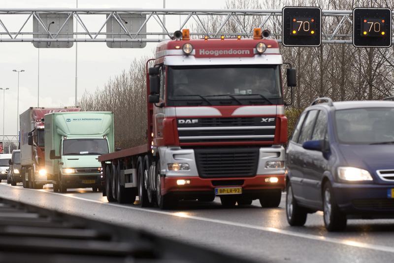 Vrachtwagens in de file | Foto: ANP