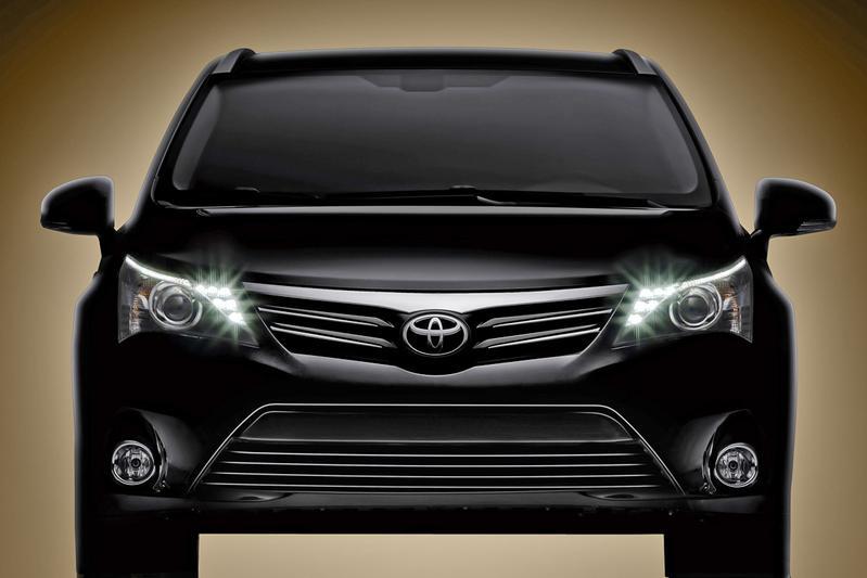 Toyota toont nieuwe Avensis