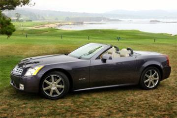Cadillac XLR onthuld