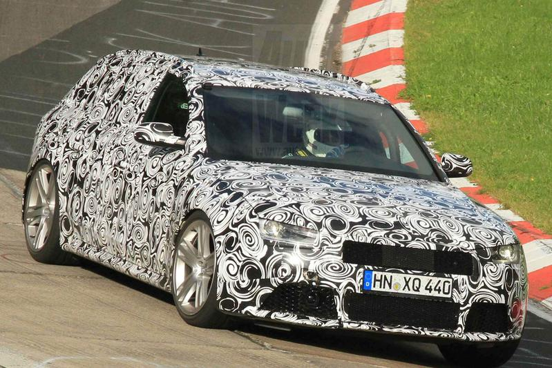 Audi RS4 raast over Ring
