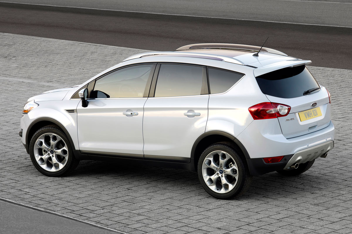 ford kuga ook als titanium s autonieuws. Black Bedroom Furniture Sets. Home Design Ideas