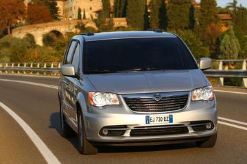 Glimmende nieuwe versies van Lancia Voyager