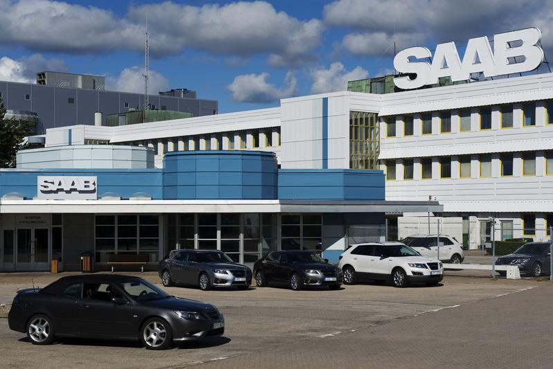 Druk van GM: Saab-deal opnieuw tegen het licht