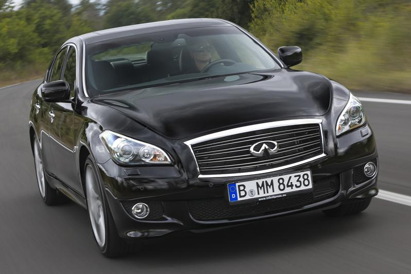 Infiniti M krijgt Mercedes viercilinders