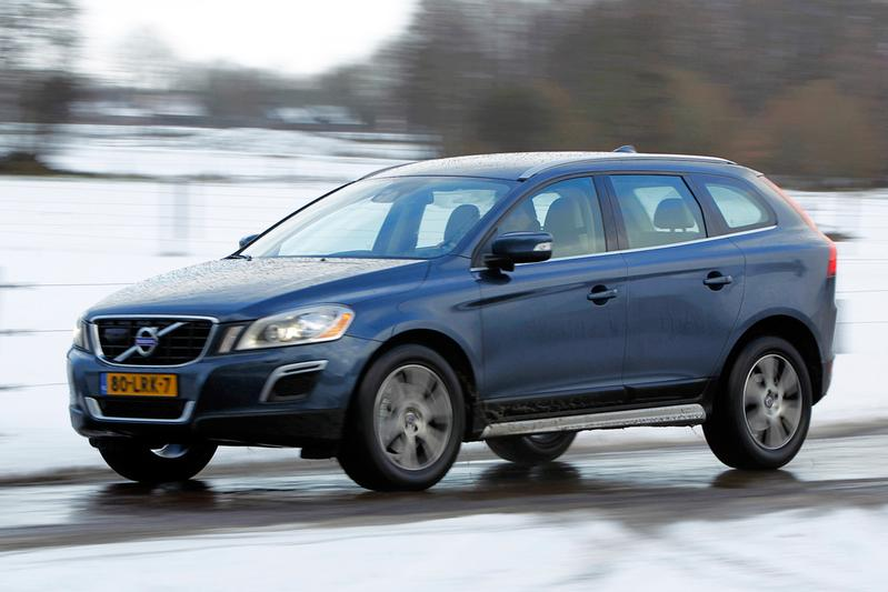 Volvo XC60 D5 AWD R-Design (2011)