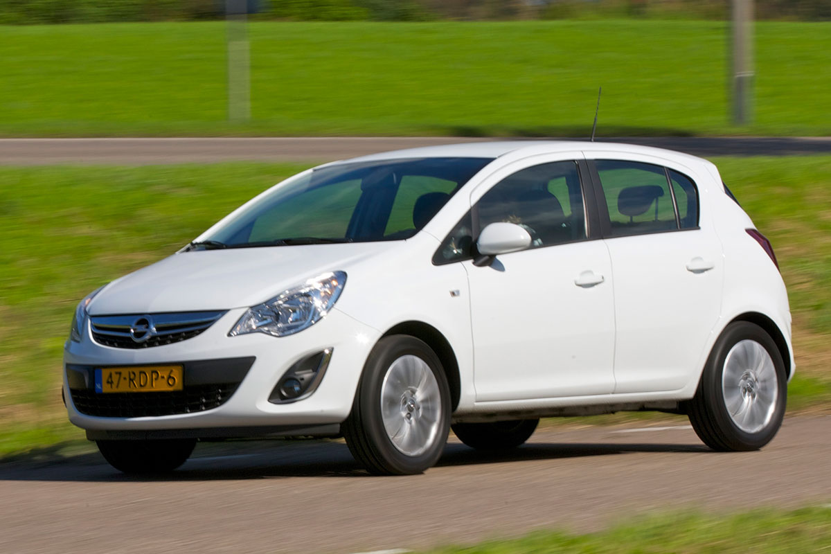 opel corsa 1 2 connect edition 2011 autotest. Black Bedroom Furniture Sets. Home Design Ideas