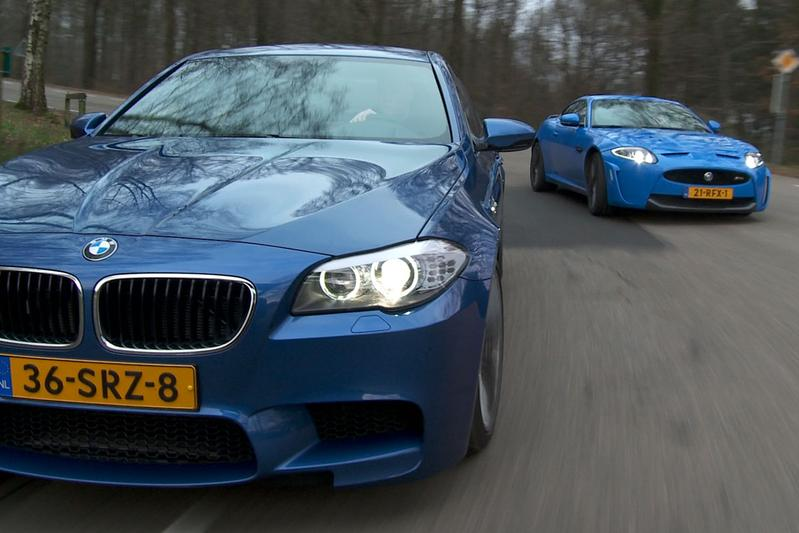 Dubbeltest BMW M5 vs Jaguar XKR-S