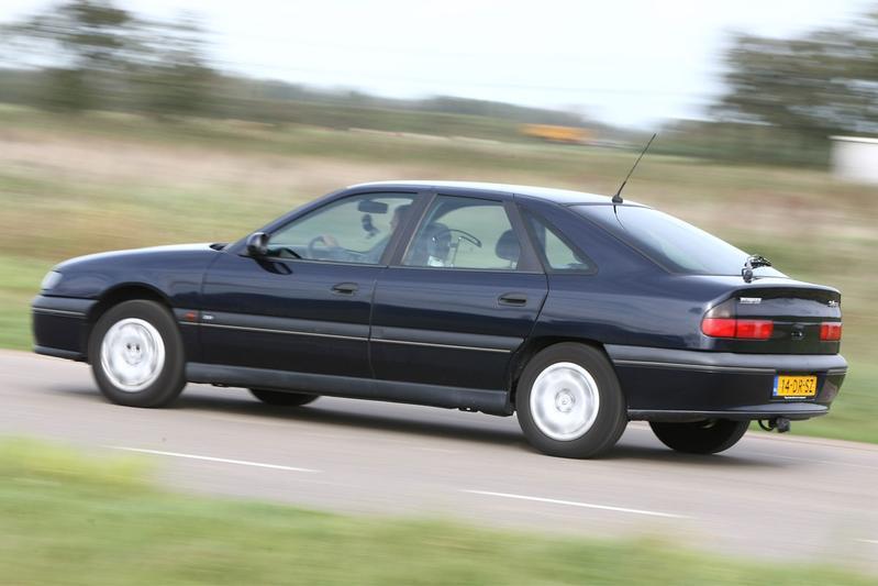 Klokje Rond - Renault Safrane