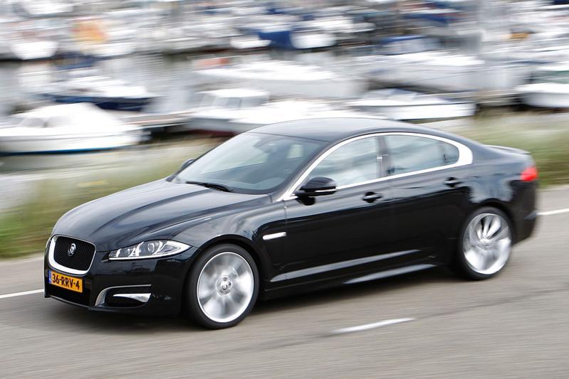 Jaguar XF 2.2D (2011)