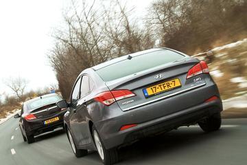 Hyundai i40 vs Opel Insignia