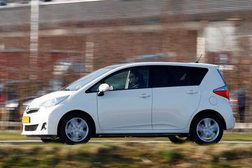 Toyota Verso-S 1.3 VVT-i Dynamic (2011)