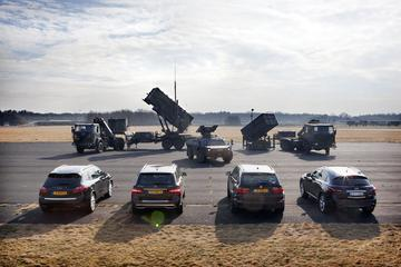 BMW X5 xDrive30d - Infiniti FX 30d - Mercedes ML350 Bluetec - Porsche Cayenne Di