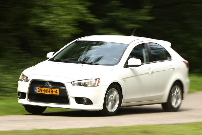 Mitsubishi Lancer Sportback 1.6 ClearTec Edition Two (2011)