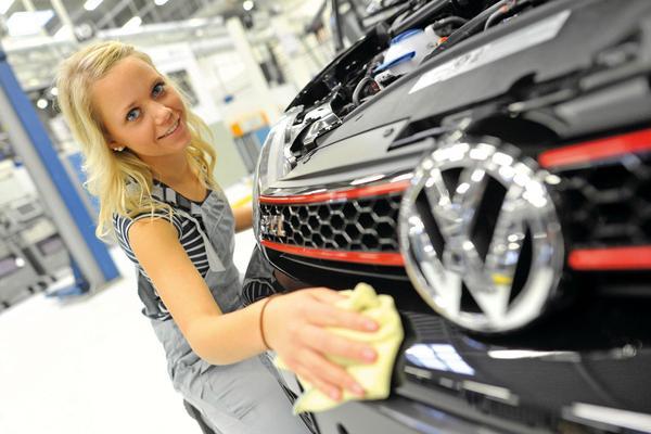 Nieuwe invallen bij Volkswagen