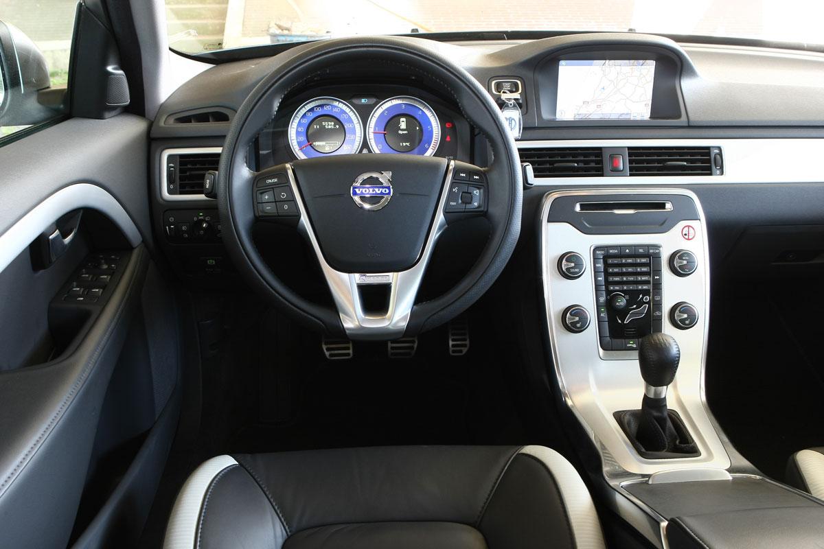 Volvo V70 D3 R-Design (2011) | Autotest - AutoWeek.nl