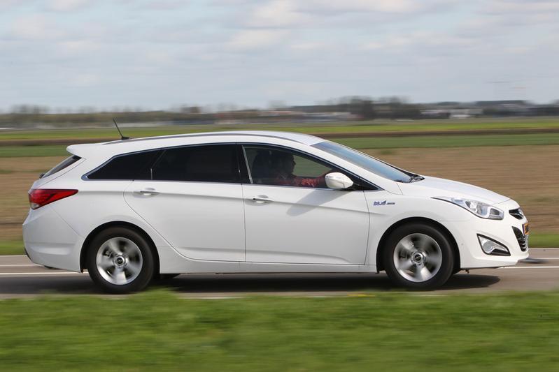 Hyundai i40 CW 1.6 GDI Blue Business Edition (2011)