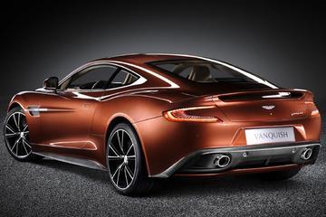 Aston Martin knalt door: Vanquish online te zien