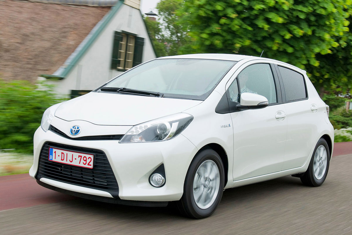 toyota yaris hybrid eerste rijtest. Black Bedroom Furniture Sets. Home Design Ideas