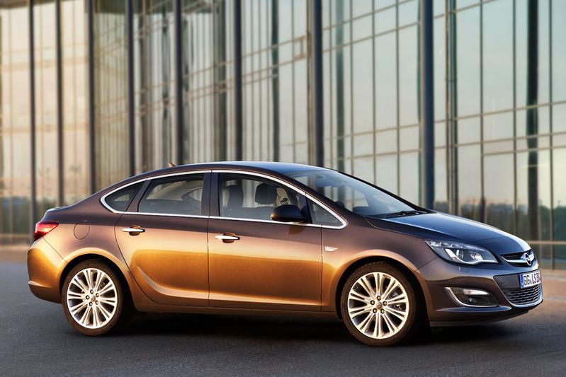 Opel Astra 1.4 Turbo 140pk SS Cosmo (2013)