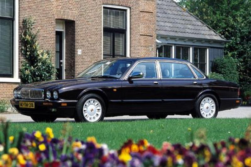 Daimler Double Six (1996)