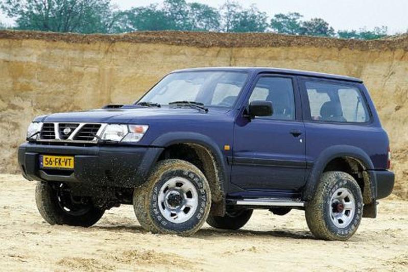 nissan patrol gr 3 0 di turbo sport 2000 autotest. Black Bedroom Furniture Sets. Home Design Ideas
