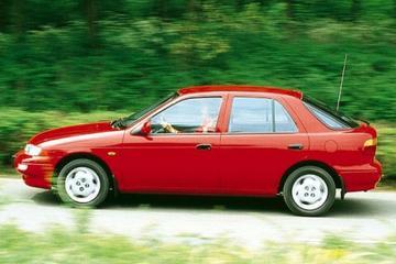 Kia Sephia 1.5 GTX (1996)