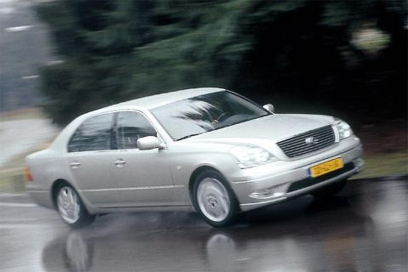 Lexus LS 430 (2001)