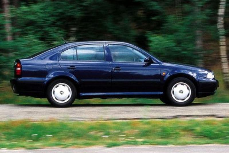 Skoda Octavia 1.6 75pk GLX (1997)