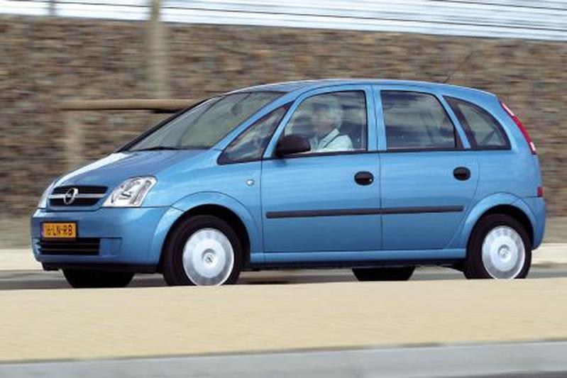 Opel Meriva 1.6-16V Essentia (2003)