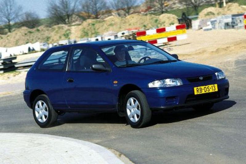 Mazda 323 P 1.3 LX (1998)
