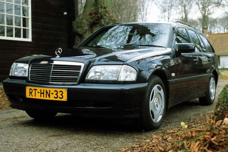 Mercedes-Benz C 180 Classic Combi (1998)