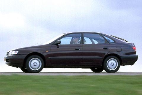 Toyota Carina E 2.0 GLi Liftback