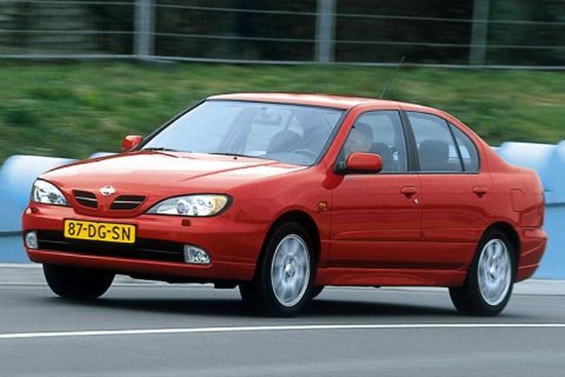 Nissan Primera 2.0 Sport Hypertronic CVT M6 (2000)