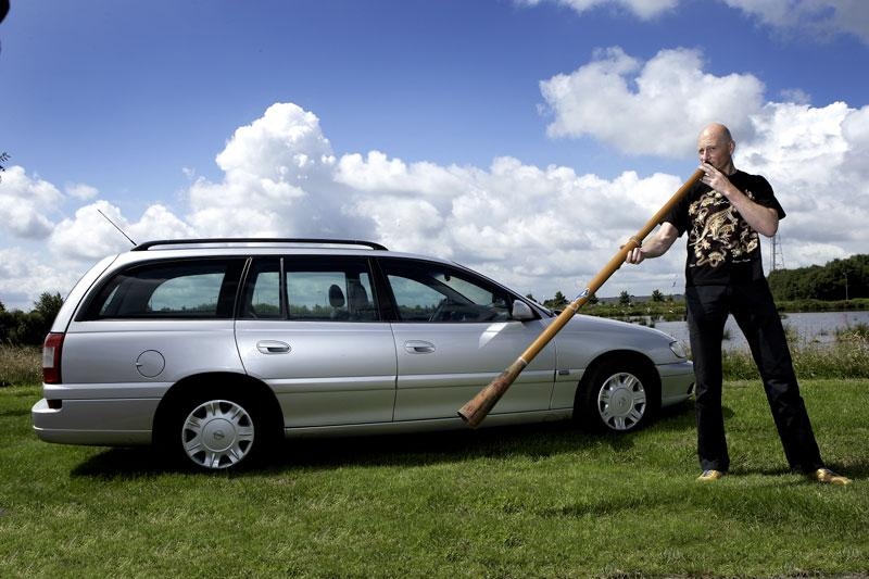 Klokje rond Opel Omega
