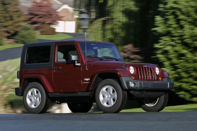 Chrysler roept 700.000 auto's terug
