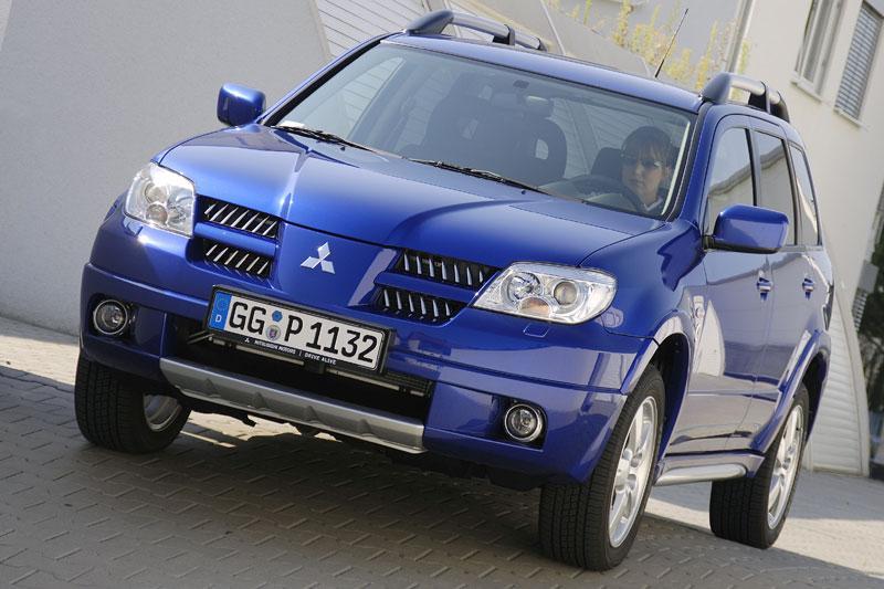 Mitsubishi Outlander Sport 2 0 2WD Travel (2008) review