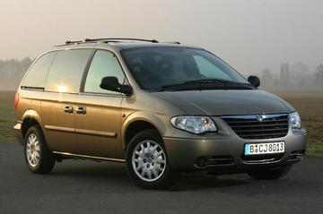 Chrysler Voyager 2.4i 16V SE (2005)