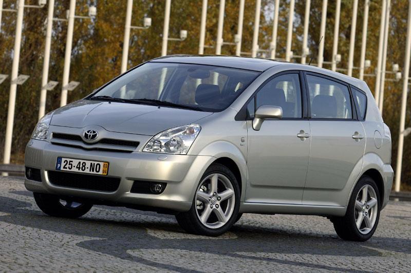 Toyota Corolla Verso 2.2 D-4D D-CAT Linea Luna (2007)