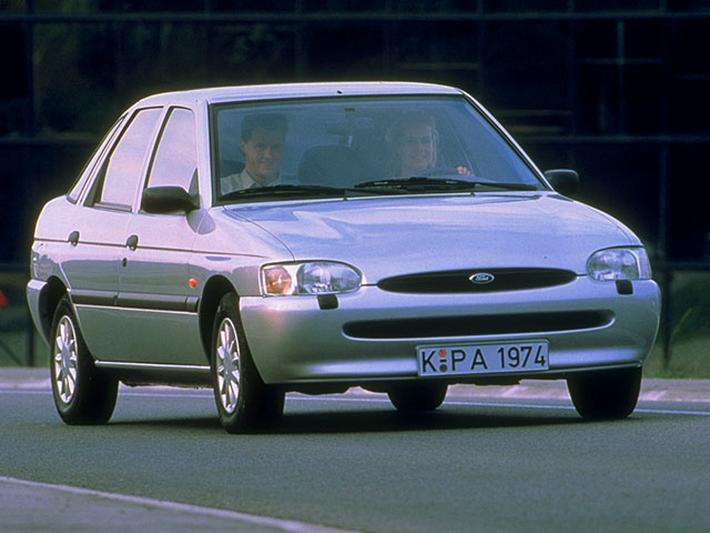 Ford Escort 1.8 TD 90pk CLX (1995)