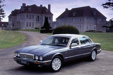 Daimler Six LWB (1995)