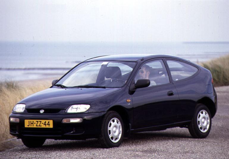 Mazda 323 1.5i LX (1996)