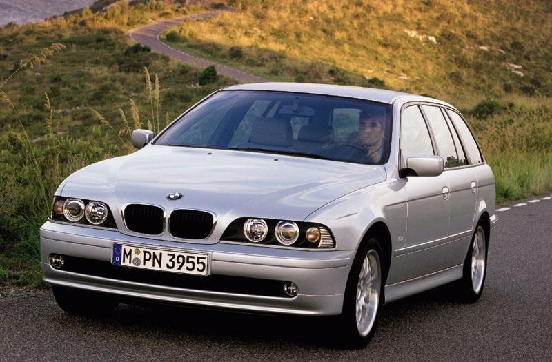 BMW 530i touring Executive (2001)