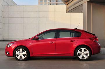 Chevrolet Cruze hatchback is officieel