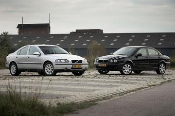 Volvo S60 2.4 - Jaguar X-Type 2.5