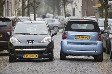 Peugeot 107 - Smart Fortwo