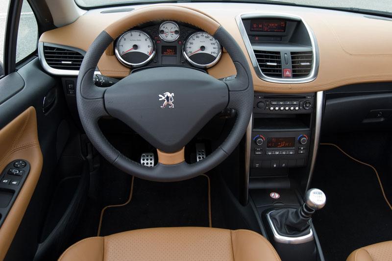 peugeot 207 cc 1 6 thp sport 2010 autotest. Black Bedroom Furniture Sets. Home Design Ideas