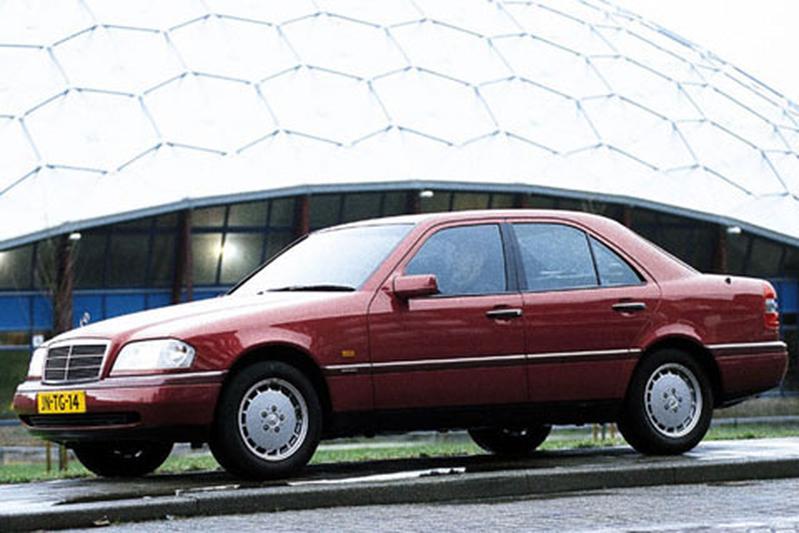 Mercedes-Benz C 220 Elegance (1996)