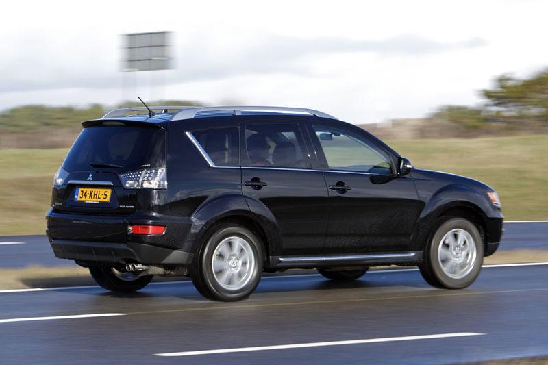 Mitsubishi Outlander 2.2 Di-D 4WD (2010)