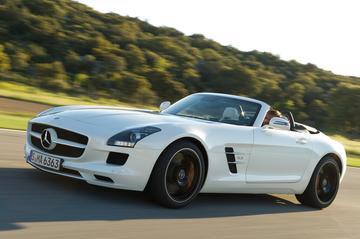 Mercedes SLS AMG Roadster kost rijtjeshuis